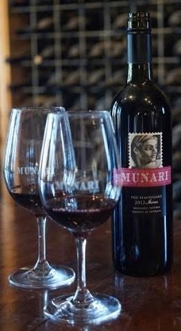 Munari wine bottle with glasses